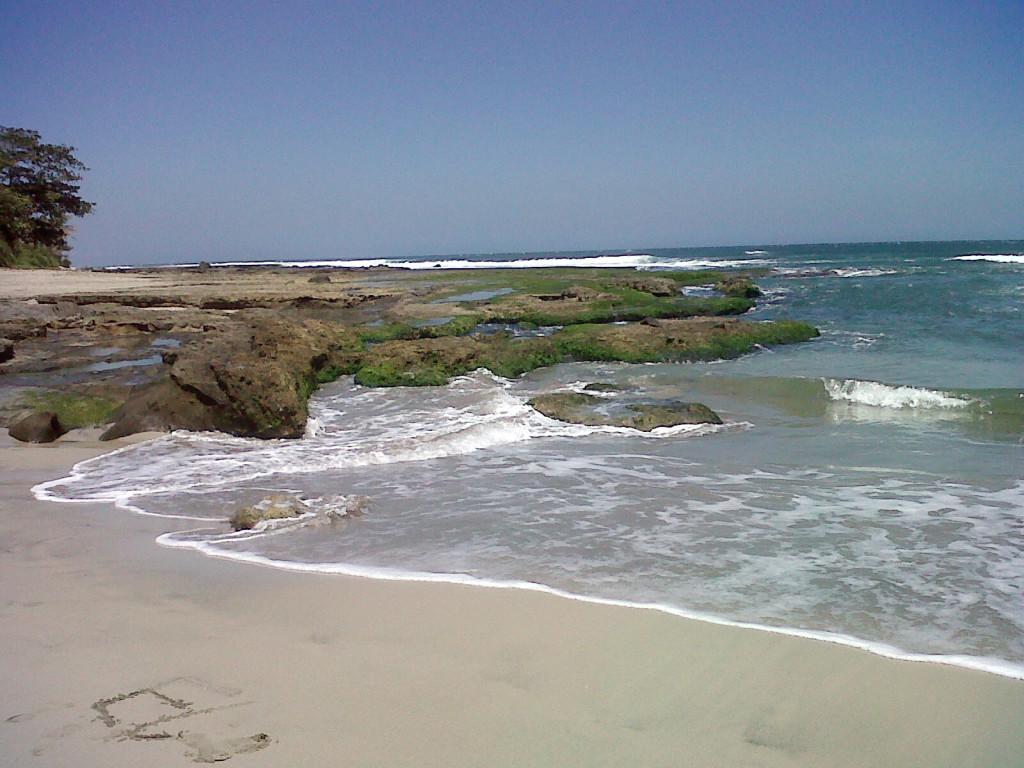 Pantai Manalusu 2