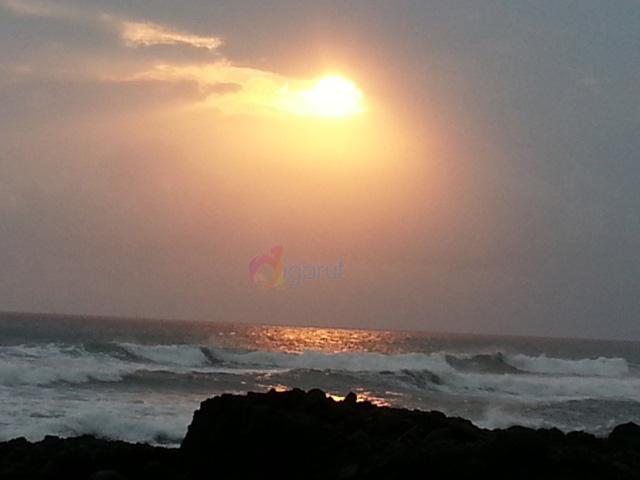 pantai karang paranje garut sore hari