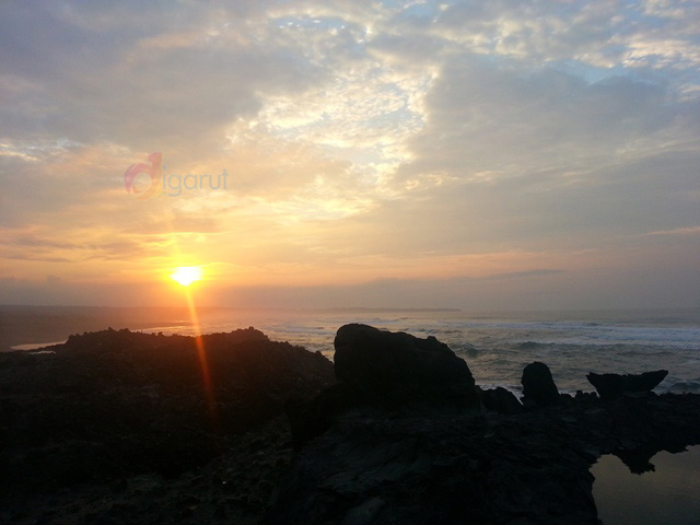 pantai karang paranje garut pagi hari (9)